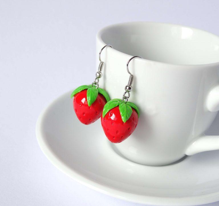 aardbeien oorbellen