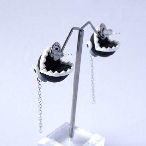 Chain chomp oorbellen