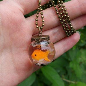 goudvis vissenkom ketting brons